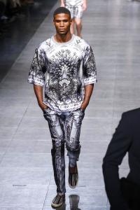 black_model_men_fall_in_mode_dolce_gabbana_menswear_ss_16_milan