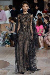 valentino-fall-2015-couture-lineisy_montero_feliz