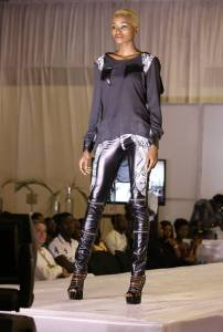 ethnik_mode_fashion_show_carlos_desaules_abidjan_pagnifik_sophia_tailly