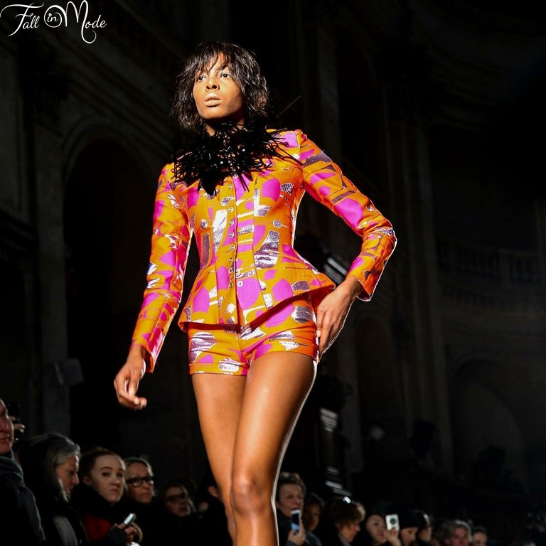 Aissata Dia fait sensation à la Paris Fashion Week SS17